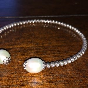 Classy bracelet--Keeping after today if not sold